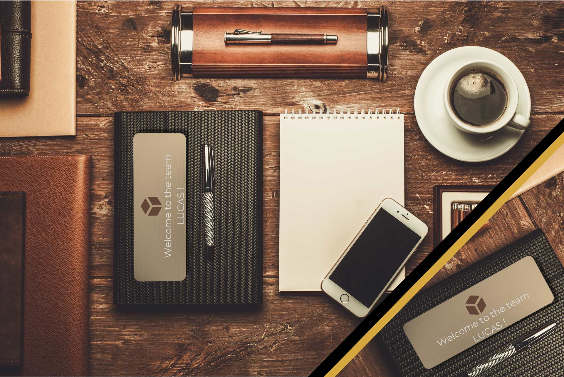 Set of office accessories with a diary personalized with a welcome message engraved on a plate